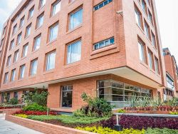 Apartamentos Plaza Suites