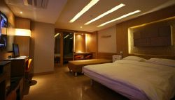 DH萬麗酒店 (DH Naissance Hotel)