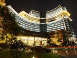 上海青松城大酒店 (Pine City Hotel)