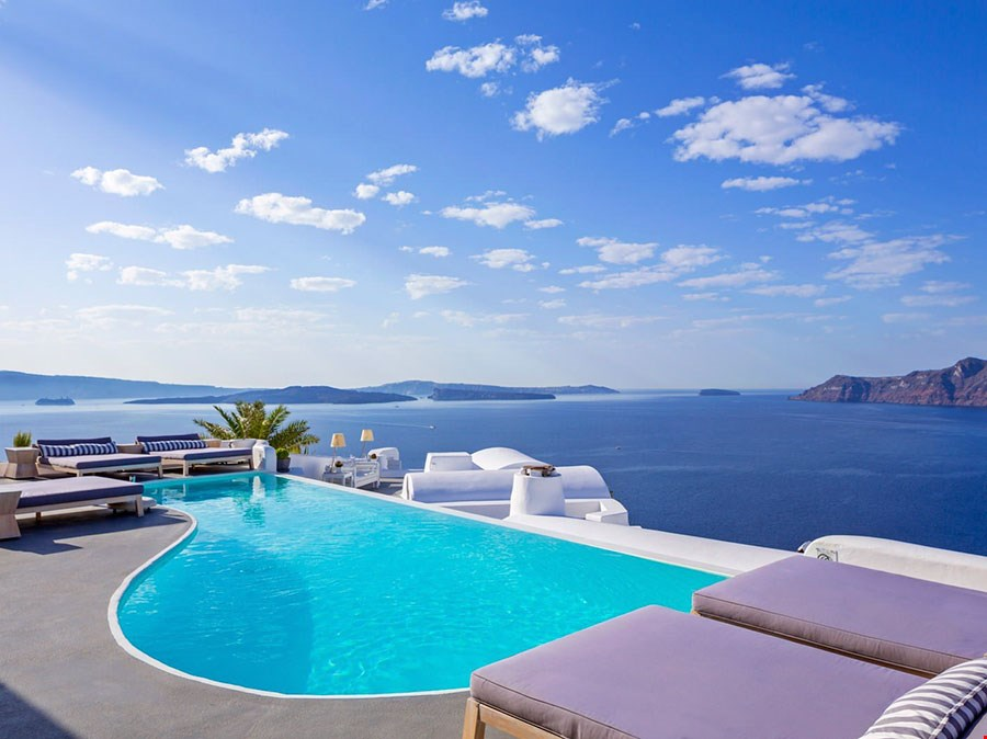 浪漫白色洞穴屋獨覽愛琴海及火山口景緻