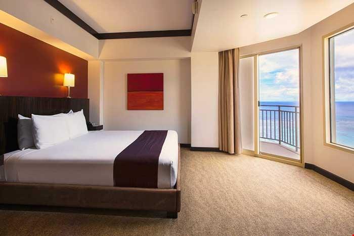 奧特里格關島海灘度假村 (Outrigger Guam Beach Resort) 1