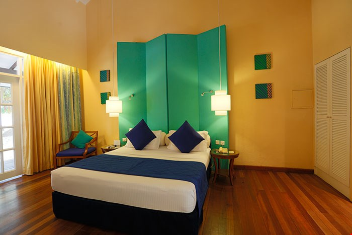 adaaran_select_meedhupparu_accomodation_beach_villa_11.jpg