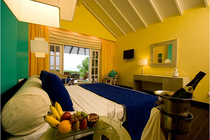 adaaran_select_meedhupparu_accomodation_beach_villa_9.jpg